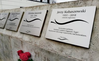 Odsłonięto nowe tablice w Alei Żeglarskiej